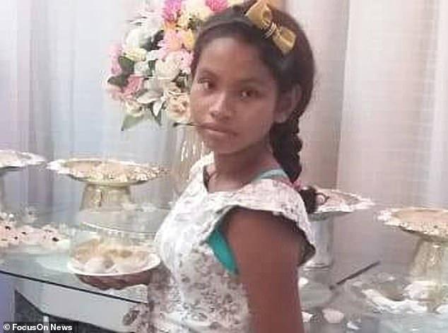 Bị cha đẻ lạm dụng suốt 4 năm, cô bé 13 tuổi hạ sinh một bé trai nhưng qua đời vì bị biến chứng nặng - Ảnh 1.