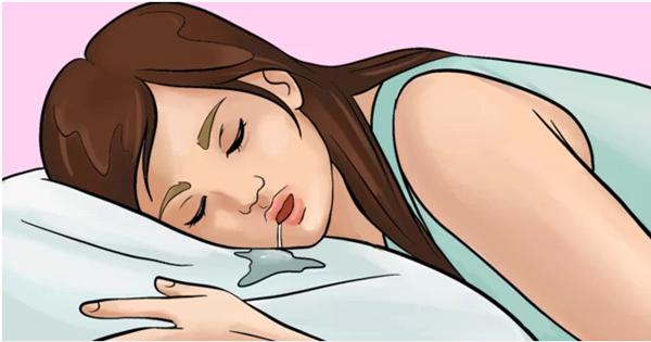 90% chị em cứ ngỡ việc chảy nước bọt khi ngủ là bình thường nhưng không hề biết đằng sau là vô vàn bệnh lý nguy hiểm - Ảnh 1.
