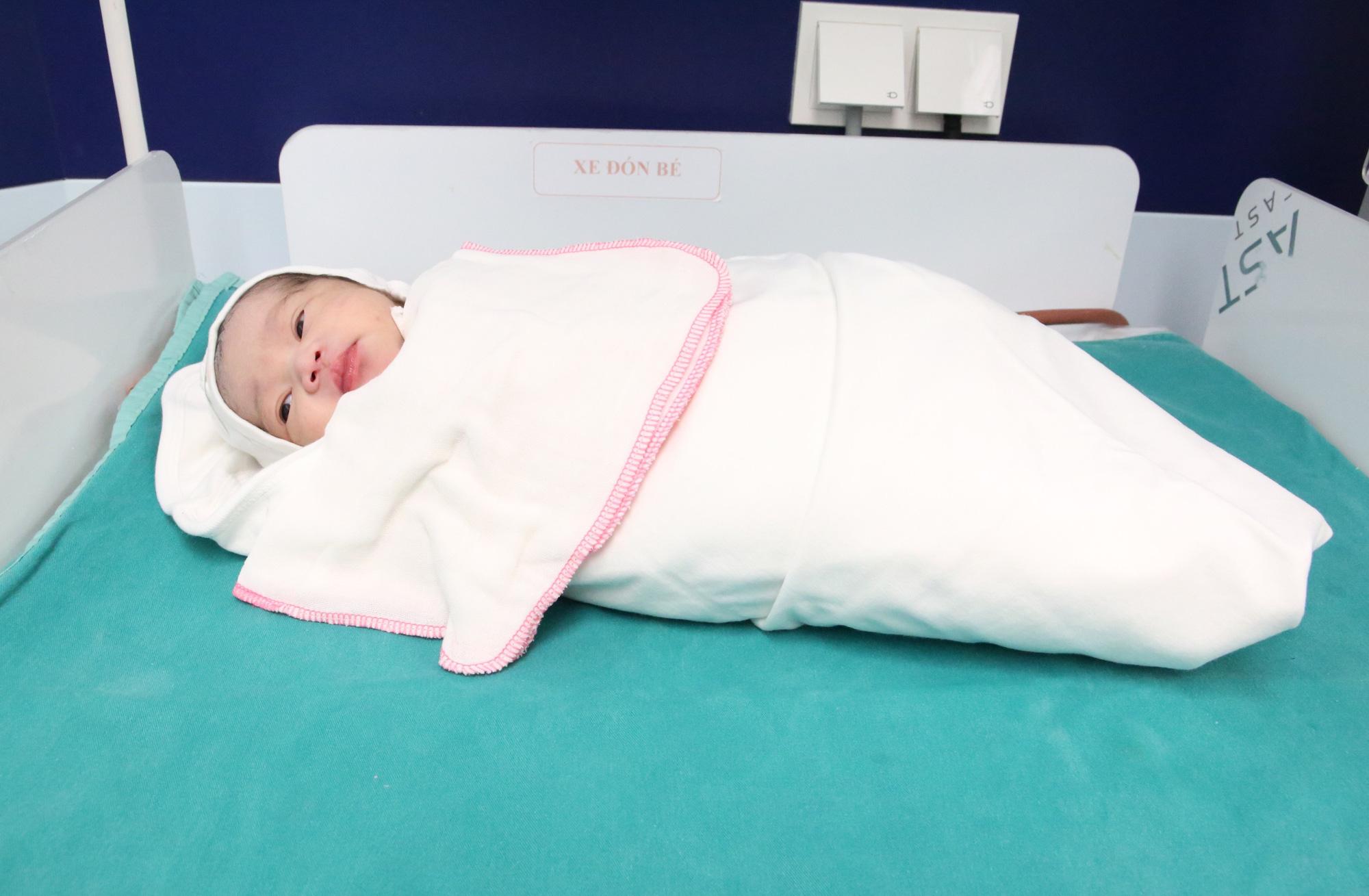 Phú Thọ: Cấp cứu thành công một sản phụ bị vỡ tử cung, suy thai cấp - Ảnh 3.