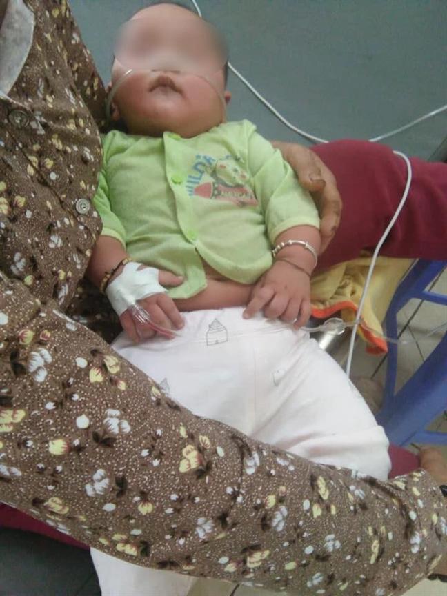 Lại có trường hợp bé gái 4 tuổi tử vong sau khi chữa ho sai cách: Đâu là cách xử lý đúng nhất khi trẻ sơ sinh bị ho?  - Ảnh 3.