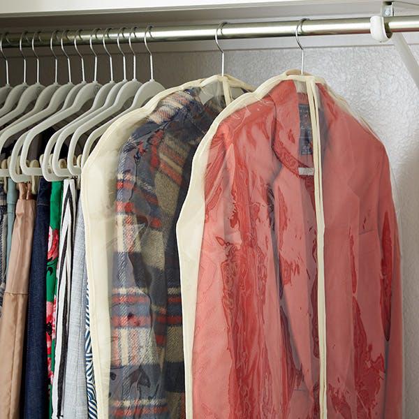 8 bước giúp bạn tối đa hóa không gian tủ quần áo bằng cách lưu trữ đồ theo mùa - Ảnh 7.