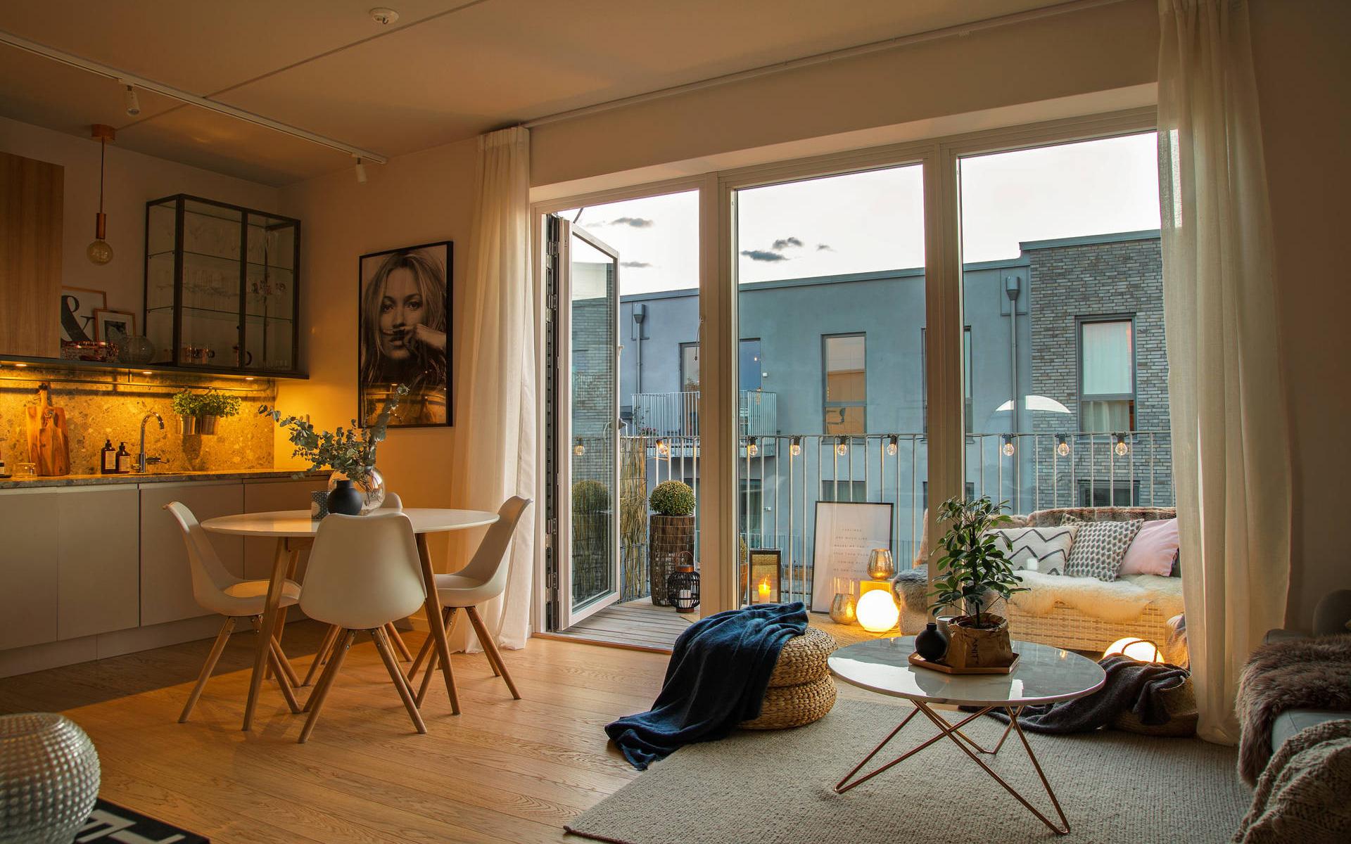 Căn hộ 43m² đẹp xuất sắc từ trong nhà ra đến ban công khiến người xem không khỏi trầm trồ