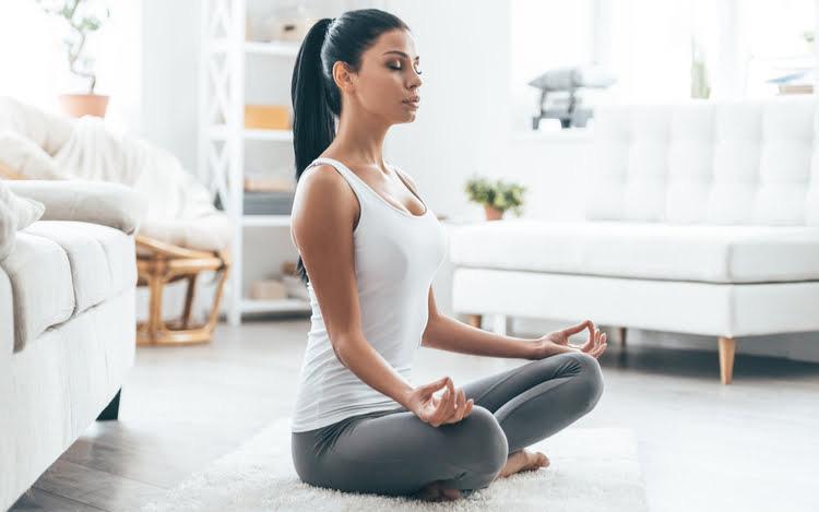 Phụ nữ sống lâu luôn thực hiện 6 thói quen đơn giản này vào buổi tối, bạn cần biết để thay đổi bản thân