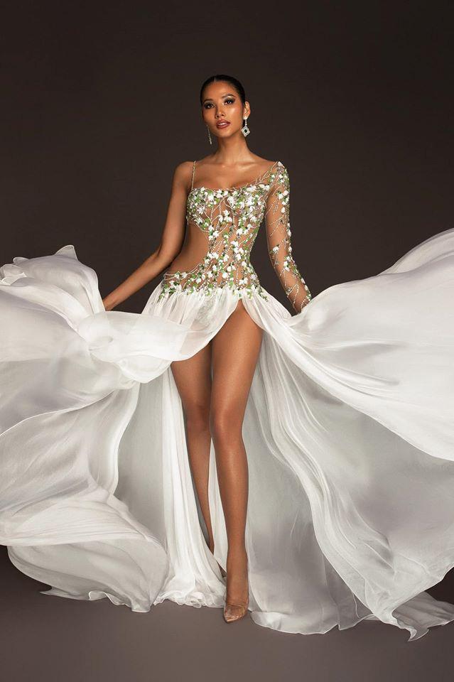 Bí ẩn đằng sau bộ đầm dạ hội của Hoàng Thùy trong đêm Bán kết Miss Universe 2019: Người đứng sau chính là phù thủy thảm đỏ quốc tế - NTK Công Trí - Ảnh 5.