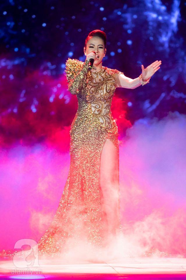 Hát live siêu đỉnh ở Chung kết Hoa hậu Hoàn vũ Việt Nam 2019, Thu Minh đoán trúng phóc Khánh Vân là Hoa hậu  - Ảnh 4.