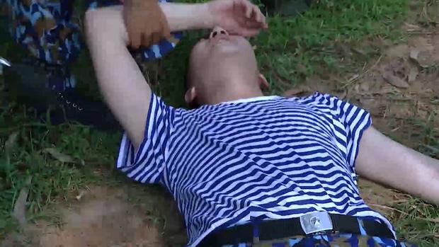 Sao nhập ngũ: B Trần ngất xỉu dưới nắng, đang làm nhiệm vụ lại ăn mận khiến cả tiểu đội bị phạt nặng - Ảnh 9.