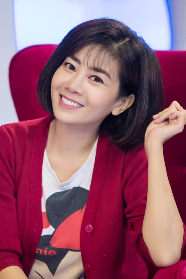 Hậu điều trị ung thư, diễn viên Mai Phương lộ rõ vẻ phờ phạc dù luôn nở nụ cười - Ảnh 3.