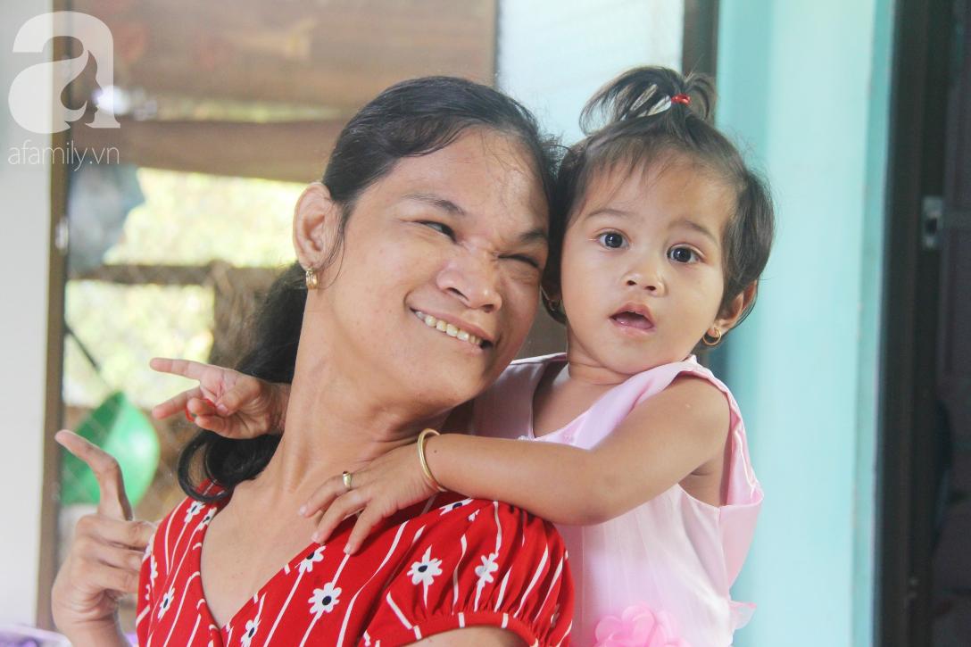 Cái Tết thứ 2 của người mẹ điên ở Trà Vinh: Hạnh phúc và tràn ngập tiếng cười khi con gái cất tiếng gọi mẹ - Ảnh 13.