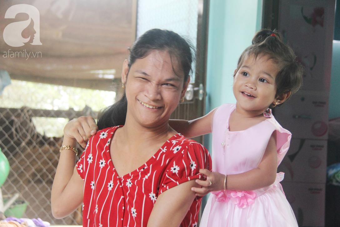 Cái Tết thứ 2 của người mẹ điên ở Trà Vinh: Hạnh phúc và tràn ngập tiếng cười khi con gái cất tiếng gọi mẹ - Ảnh 17.
