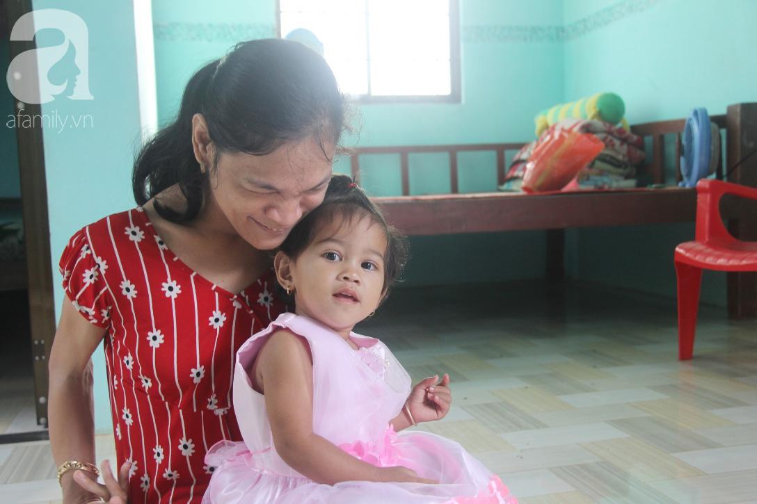 Cái Tết thứ 2 của người mẹ điên ở Trà Vinh: Hạnh phúc và tràn ngập tiếng cười khi con gái cất tiếng gọi mẹ - Ảnh 4.