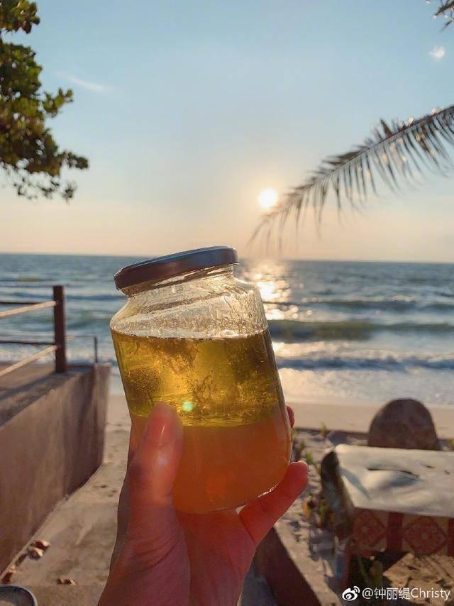 """""""Bom sex gốc Việt"""" Chung Lệ Đề gây tranh cãi khi uống dầu ăn suốt 11 ngày để… thải độc - Ảnh 5."""