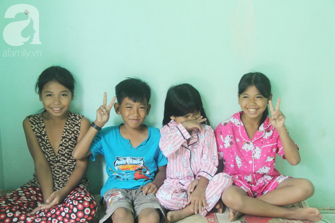 Nụ cười hạnh phúc của 11 đứa trẻ bị bố mẹ bỏ rơi: Tụi con có nhà mới và được đi học tiếp - Ảnh 4.