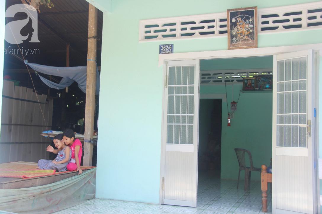 Nụ cười hạnh phúc của 11 đứa trẻ bị bố mẹ bỏ rơi: Tụi con có nhà mới và được đi học tiếp - Ảnh 1.