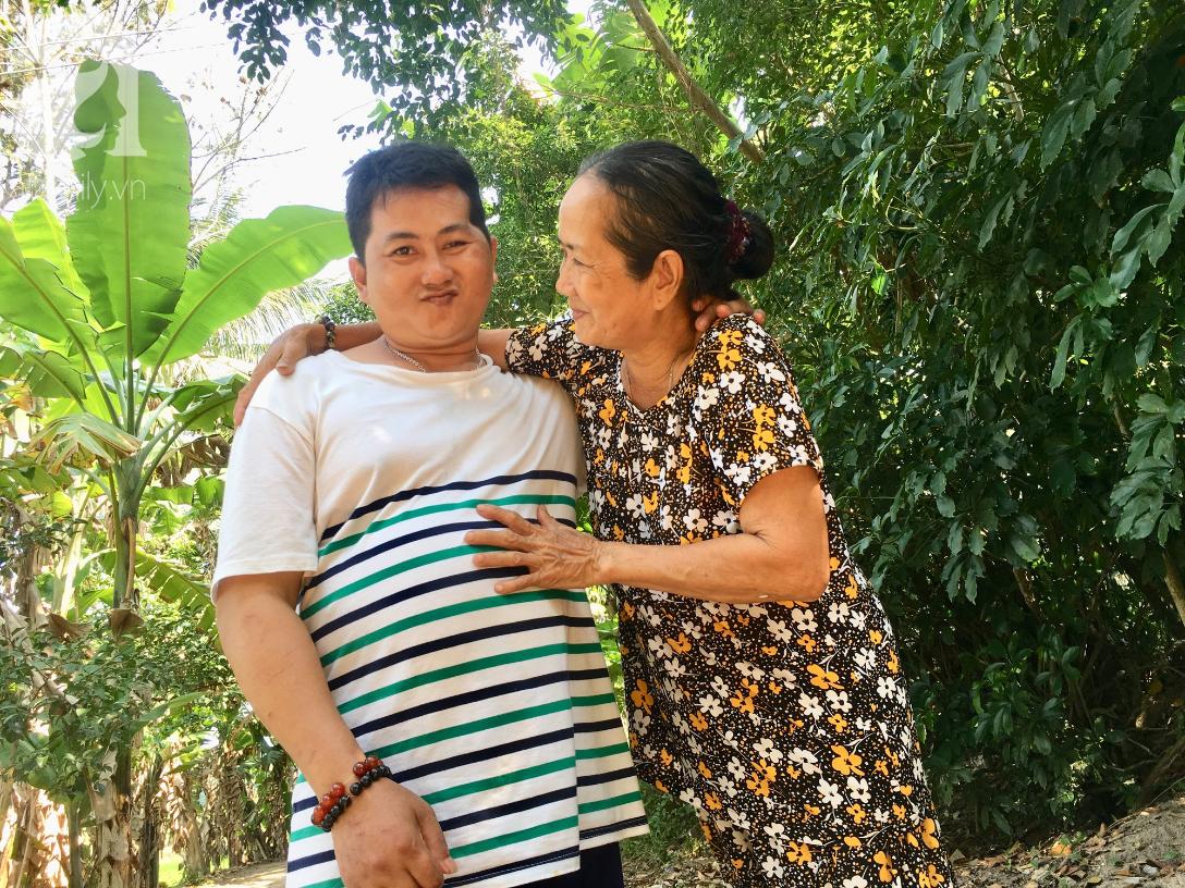 Nụ cười của bà Cúc: 35 tuổi, cuối cùng thằng Thanh đã biết đi, biết gọi mẹ thật rồi - Ảnh 15.