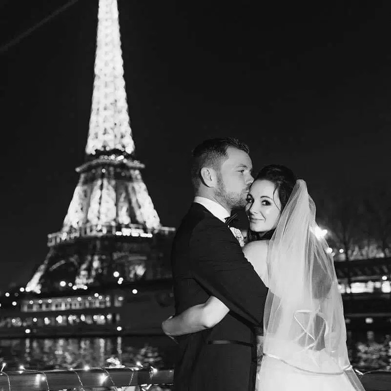 Cuộc tình nhanh hơn tốc độ tên lửa: Yêu 6 tuần cầu hôn, 5 tháng đám cưới, 1 năm sau đã kịp có 3 con - Ảnh 6.