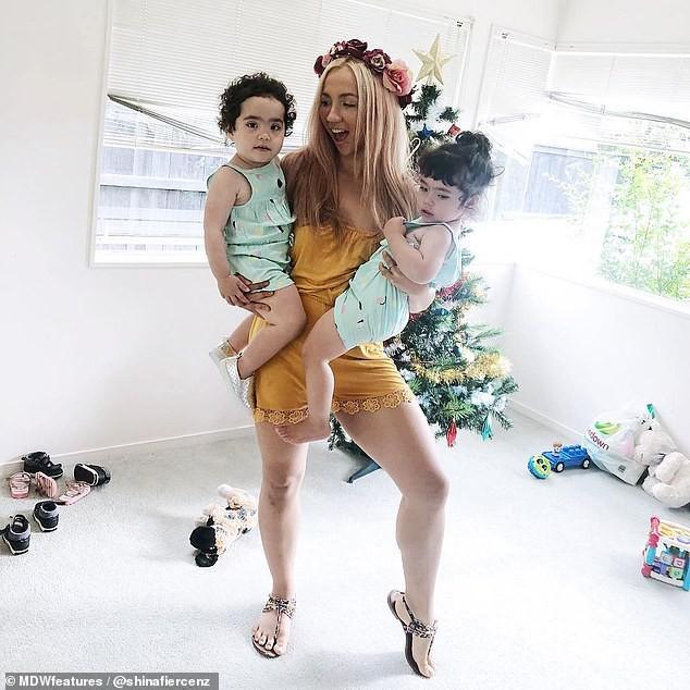 Mẹ sau sinh tự hào khoe làn da nhăn nheo chảy xệ ai cũng sợ để truyền cảm hứng cho những bà mẹ khác  - Ảnh 1.