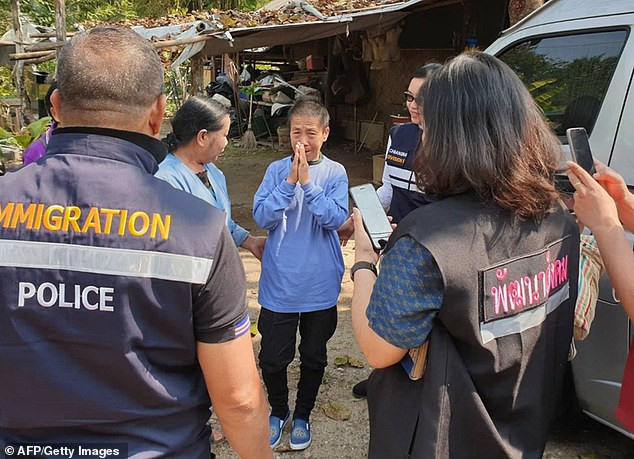 Người phụ nữ Thái Lan đi gặp con trai rồi mất tích, 8 tháng sau bà bỗng xuất hiện khi đang đi lạc ở... Trung Quốc - Ảnh 1.