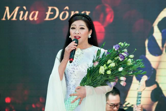 Tuấn Vũ mời dàn sao khủng tham gia liveshow đầu tiên tại TP.HCM - Ảnh 3.