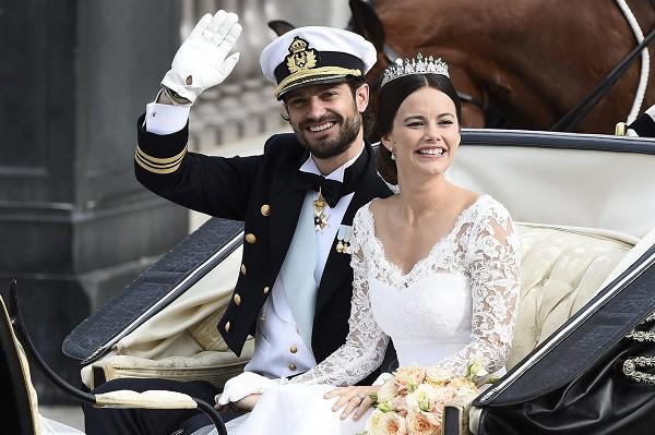 Cô nàng người mẫu tạp chí đàn ông tai tiếng lấy được cả Hoàng tử Thụy Điển, còn khiến gia đình Hoàng gia ưng thuận một cách không ngờ - Ảnh 1.