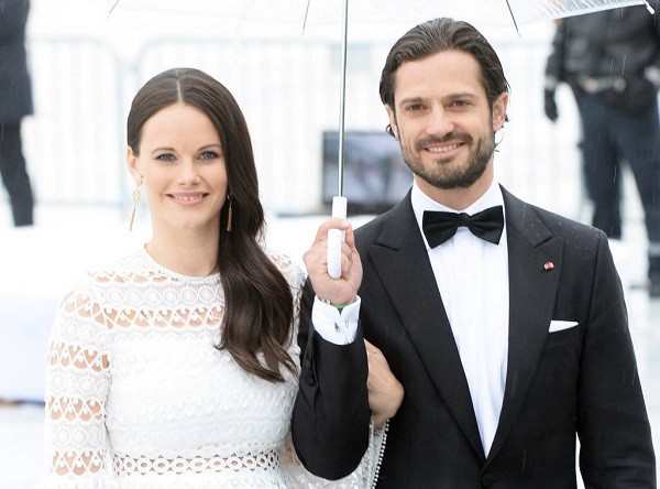 Cô nàng người mẫu tạp chí đàn ông tai tiếng lấy được cả Hoàng tử Thụy Điển, còn khiến gia đình Hoàng gia ưng thuận một cách không ngờ - Ảnh 2.