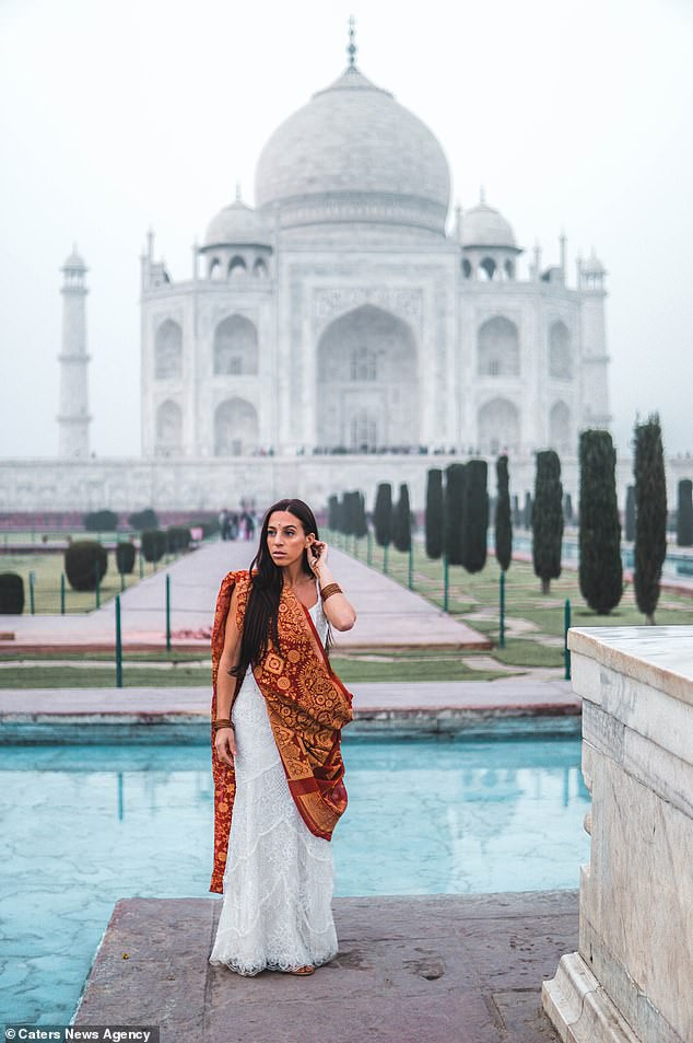 9267066-6656899-Pictured_Nick_and_Zoe_Aust_inTaj_Mahal_India-a-42_1549017942193