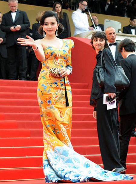 Diện trang phục lộng lẫy tại sự kiện, Dương Mịch vẫn bị chê bai vì lý do này - Ảnh 3.