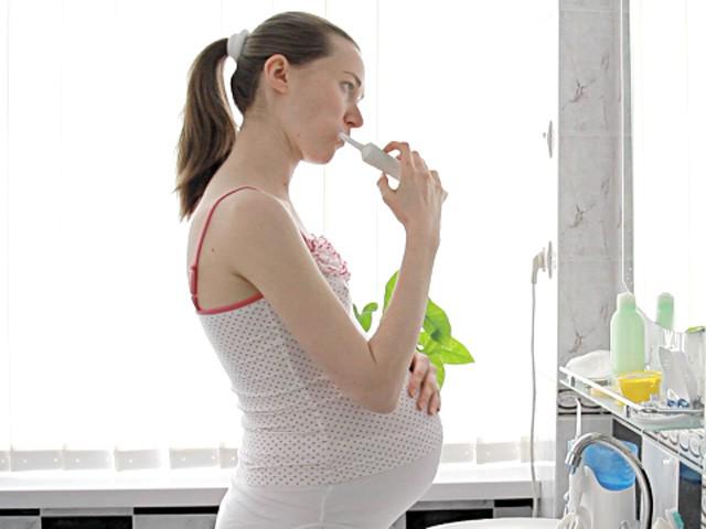 Viêm nướu khi mang thai: Sự nguy hiểm của viêm nướu khi mang thai - Ảnh 3.