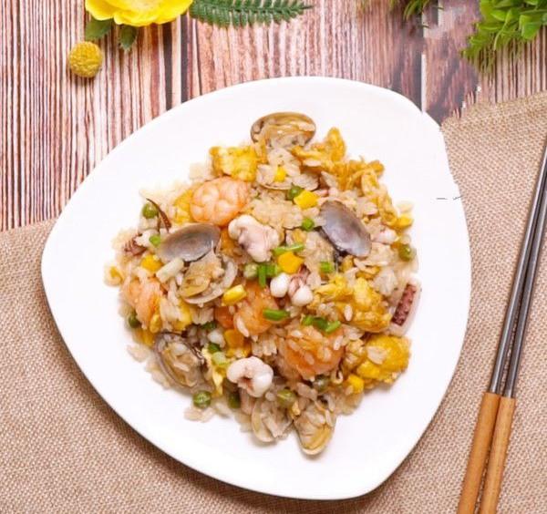 Cơm chiên hải sản ngon: Bí quyết cơm chiên hải sản ngon và tròn vị - Ảnh 6.
