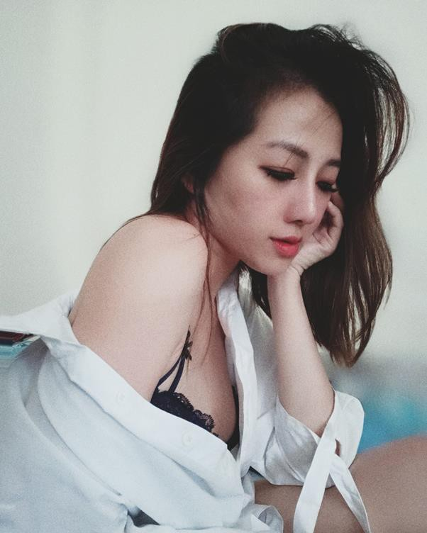 Nhan sắc vạn người mê sau phẫu thuật thẩm mỹ của bà mẹ bỉm sữa Sài Gòn từng bị trầm cảm - Ảnh 2.