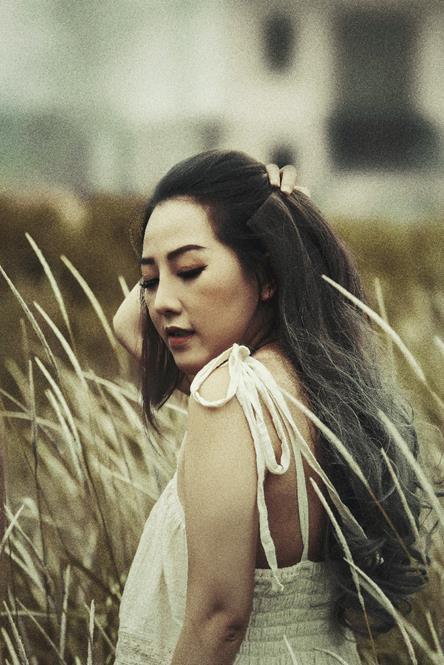 Nhan sắc vạn người mê sau phẫu thuật thẩm mỹ của bà mẹ bỉm sữa Sài Gòn từng bị trầm cảm - Ảnh 4.