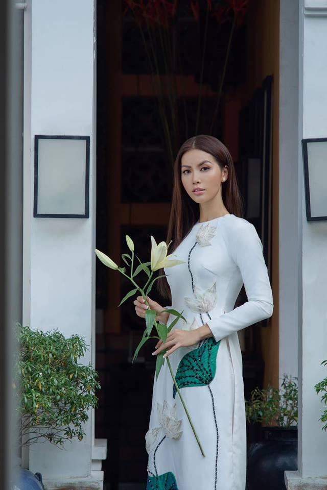 Chán làm quý cô nóng bỏng, Minh Tú bất ngờ dịu dàng với áo dài  - Ảnh 5.