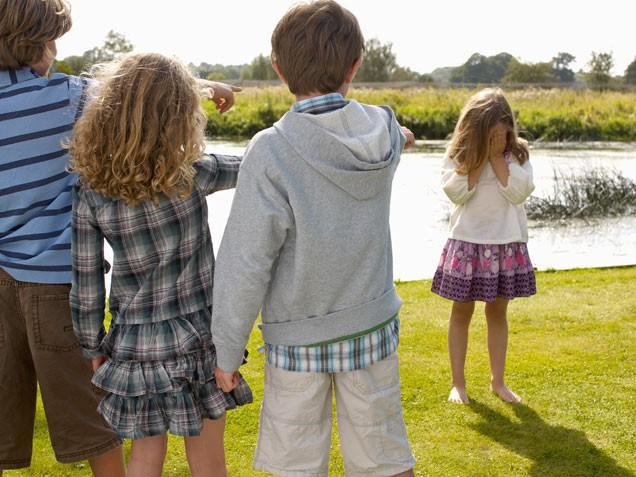 Đối phó với kẻ bắt nạt đơn giản giúp trẻ tự tin hơn trong giao tiếp - Ảnh 2.