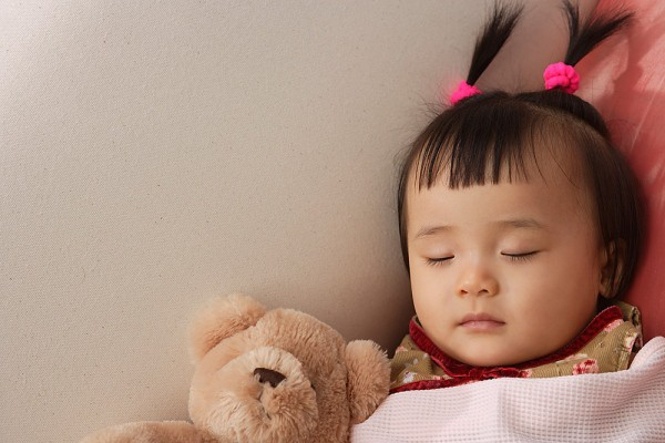 Những điều cha mẹ rất nên hiểu và không thể bỏ qua về giấc ngủ của con ở từng độ tuổi khác nhau - Ảnh 4.