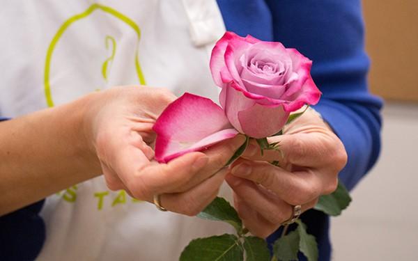 12 lời khuyên để tạo nên cách cắm hoa hoàn hảo đến từng chi tiết - Ảnh 11.