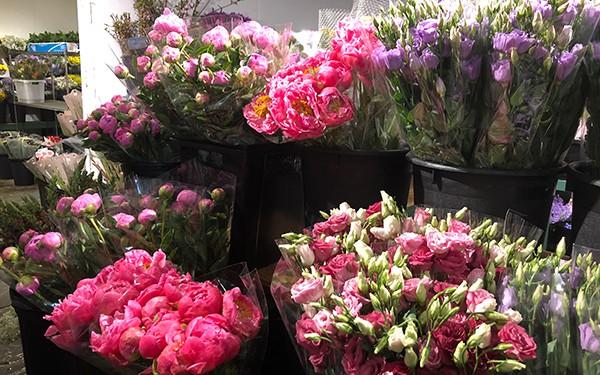 12 lời khuyên để tạo nên cách cắm hoa hoàn hảo đến từng chi tiết - Ảnh 2.