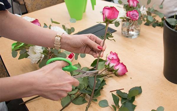 12 lời khuyên để tạo nên cách cắm hoa hoàn hảo đến từng chi tiết - Ảnh 8.