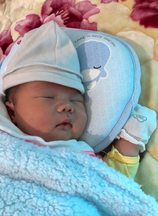 Mẹ 9X sinh thường bé nặng 4,4kg có bí quyết cực hay để con bụ bẫm, còn mẹ lại chỉ thon gọn thế này - Ảnh 8.