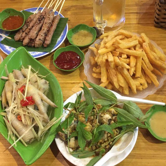 Ngán bánh chưng, thịt gà đến tận cổ? Đây là danh sách hàng quán bán xuyên Tết để giải ngấy ở Hà Nội - Ảnh 14.