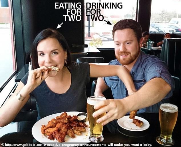 Cười vỡ bụng với những bức ảnh thông báo tin vui siêu lầy lội không đỡ được của các cặp đôi trên thế giới - Ảnh 6.