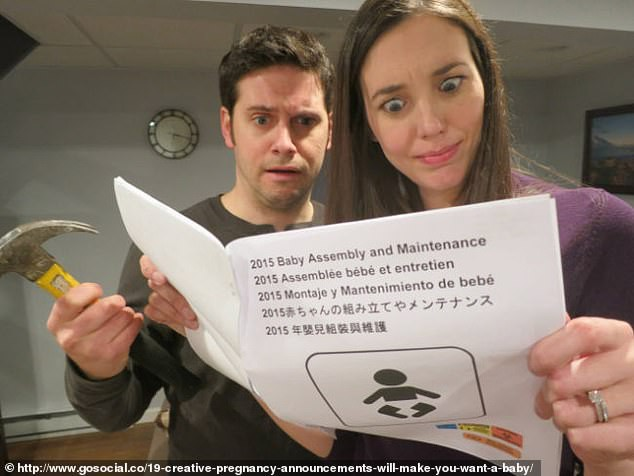 Cười vỡ bụng với những bức ảnh thông báo tin vui siêu lầy lội không đỡ được của các cặp đôi trên thế giới - Ảnh 3.