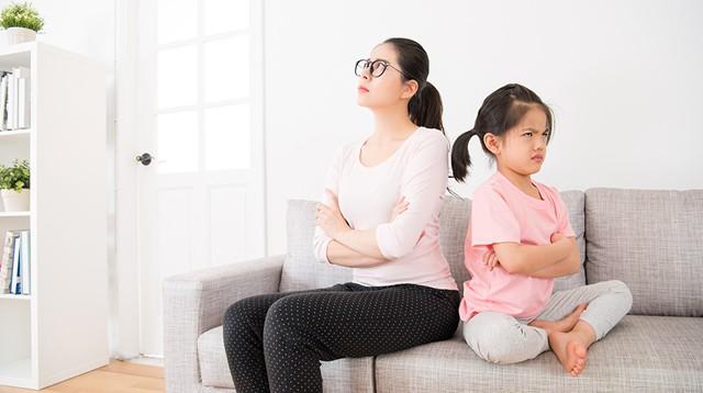 7 điều cha mẹ hay làm tưởng tốt cho con nhưng hóa ra đang hại tương lai sau này của trẻ - Ảnh 4.