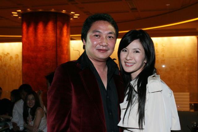 Jamie Chua: Bà mẹ 2 con sống như nữ hoàng và cuộc hôn nhân 15 năm với đại gia kết thúc bằng khoản tiền trợ cấp hơn 7 tỷ đồng/tháng - Ảnh 5.