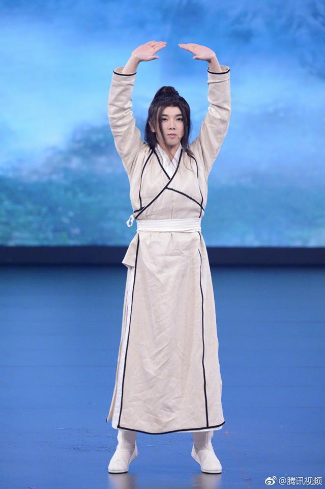 Tân Ỷ thiên: Diệt Tuyệt sư thái - Châu Hải My múa kiếm điêu luyện, Hoa Vô Kỵ phi thân khiến ai cũng giật mình - Ảnh 3.