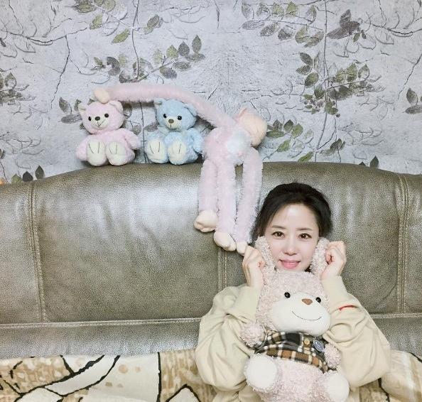2 mẹ con hotgirl Hàn Quốc gây sốt MXH sau 3 năm: Từng trông như chị em nhưng nhan sắc hiện tại lại quá khác biệt - Ảnh 4.