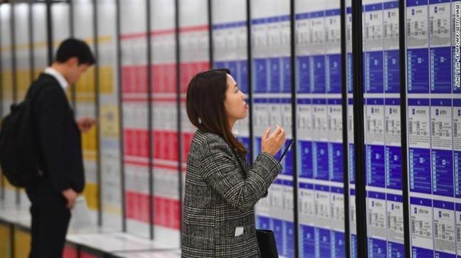 Hàn Quốc - khi đời không như phim: Phụ nữ chịu nhiều chèn ép nơi công sở, đi đâu cũng sợ bị quay lén và áp lực phải luôn đẹp - Ảnh 4.
