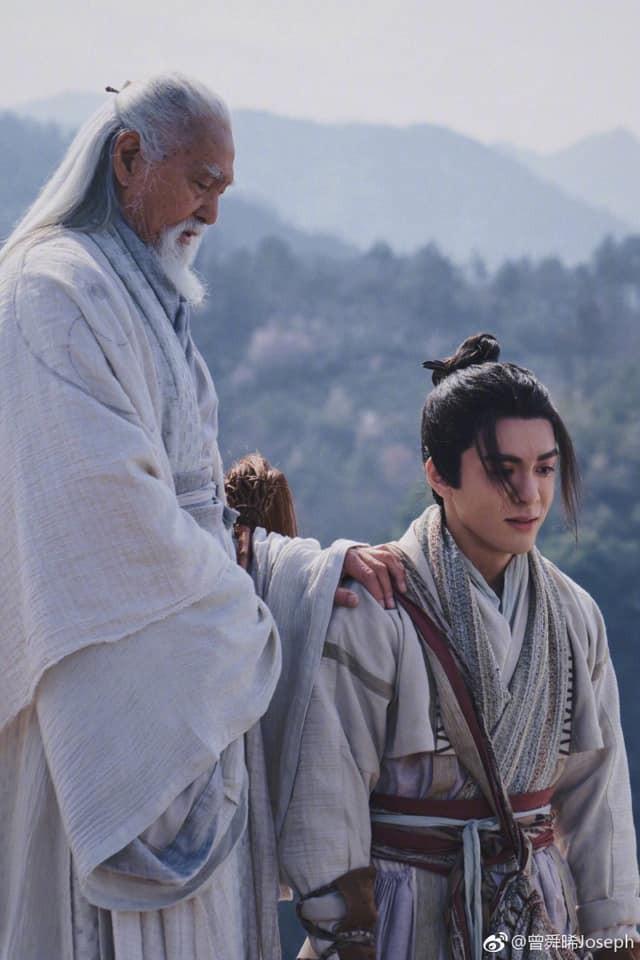 Ai đã lỡ chê bai Trương Tâm Phong của Tân Ỷ thiên quá già thì nhất định đừng xem, nếu không sẽ xấu hổ đấy!  - Ảnh 4.