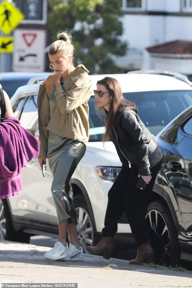 Từng quý mến Selena nhưng mẹ Justin Bieber lại làm điều này với con dâu mới thay vì tình cũ của con trai - Ảnh 1.