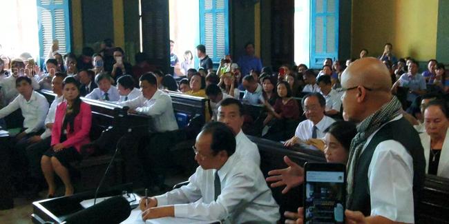 Những điều đặc biệt về vị chủ tọa trong phiên tòa vụ ly hôn nghìn tỷ của Trung Nguyên - Ảnh 5.