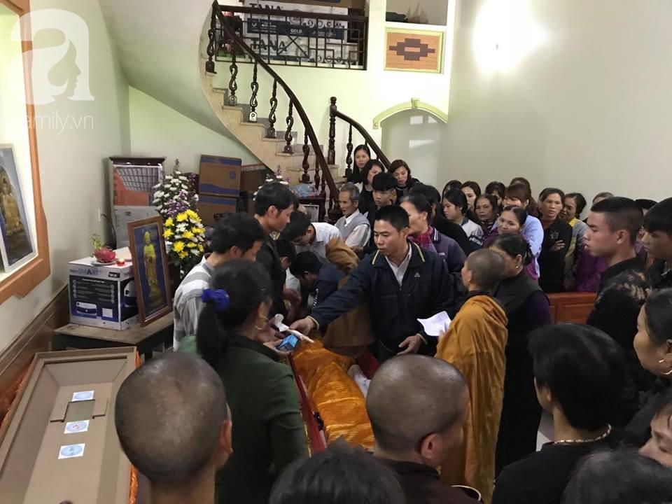 Vụ xe khách đâm vào đoàn người đưa tang khiến 7 người chết: Mẹ tài xế đến từng nhà xin lỗi và cầu mong tha thứ - Ảnh 3.
