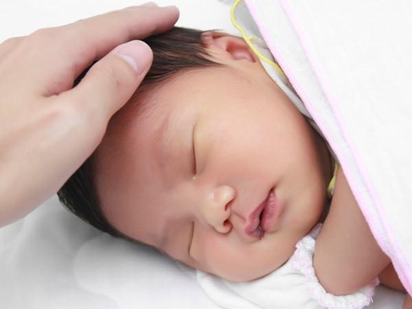 Nếu dự sinh con vào mùa hè sắp tới thì đây là những lưu ý chăm sóc bé sơ sinh mẹ nhất định không được bỏ qua - Ảnh 5.